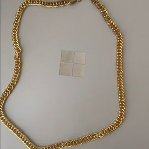 Gold urban outfitters chain